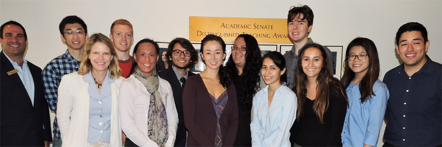 Group photo of UC San Diego students and staff - participates in Summer Research Program